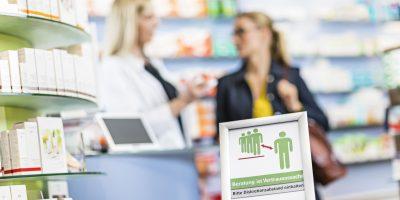 Tabuthema? Der Apotheker als Heilberufler berät auch zu Mundgeruch, Blähungen oder Fußpilz.