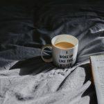 Schlafprobleme wirken sich negativ auf die eigene Gesundheit aus. Mit festen Ritualen lässt sich sanft entgegensteuern.